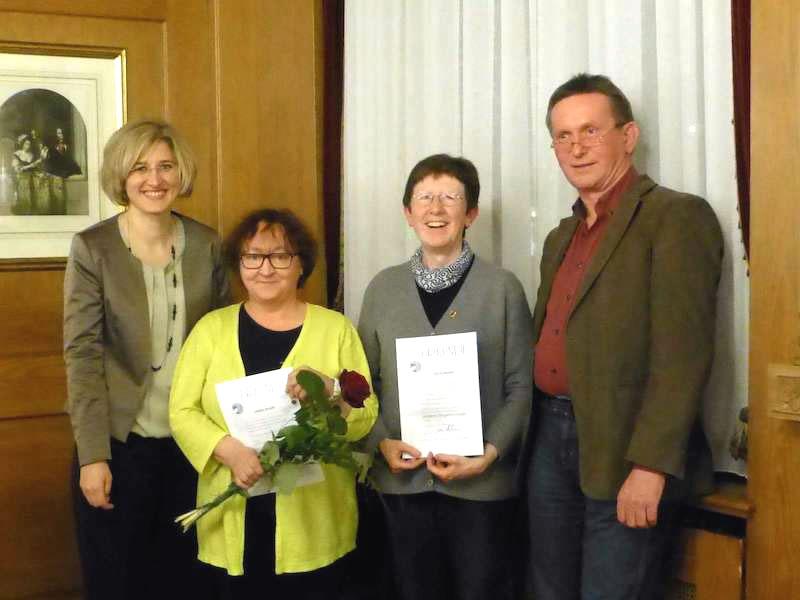 Martina Stoffel, Bärbel Bilger, Karin Berger und DHV-Vertreter Jürgen Lempp bei den Ehrungen. swb-Bild: Verein
