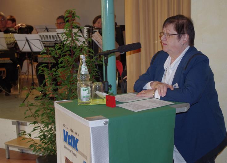 Die aktuelle Vorsitzende des VdK Rielasingen-Worblingen, E. Carina Klede-Arman, stelle zum 70. Geburtstag des Ortsverbands die Chronik seit den Anfängen ausführlich vor. swb-Bild: of