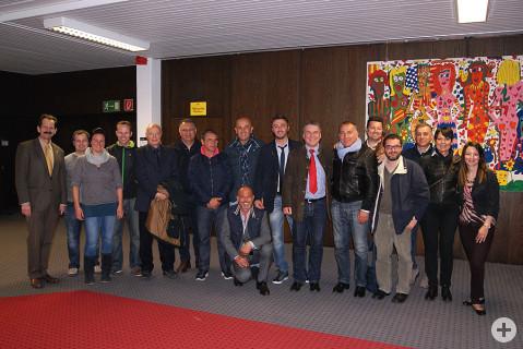 Bürgermeister Baumert, Schulleiter Metzger mit LehrerInnen und die Partnerschaftsbeauftragte Angilletta begrüßten Bürgermeister Luca Di Fiori mit offizieller Gemeindedelegation in der Ten-Brink-Schule.
