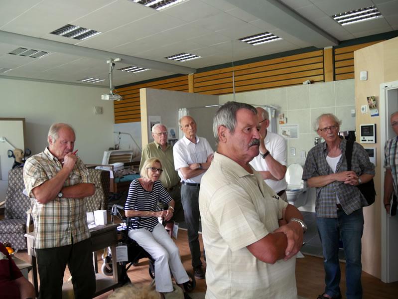Der Ortsseniorenrat informiert sich zum Thema Sicherheit im Alter.