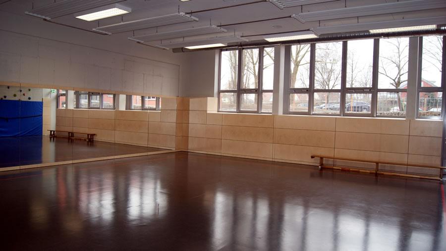 Auch der sanierte Gymnastikraum in der Ten-Brink-Halle strahlt im neuen Glanz.