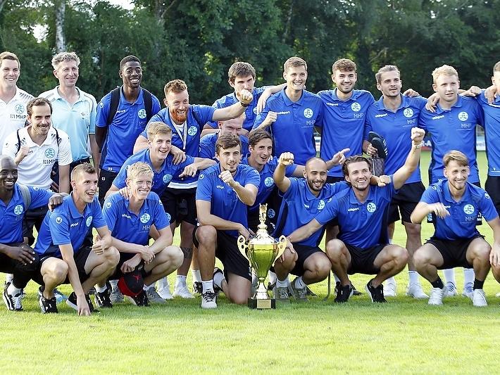Die Mannschaft der Stuttgarter Kickers. Bild: Wochenblatt