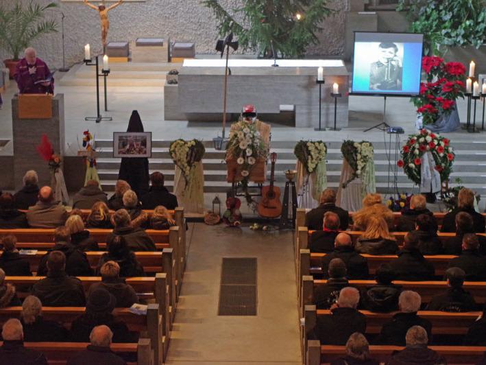 Eine große Trauergemeinde nahm am Mittwochnachmittag Abschied von Bernhard Beger in der Kirche St. Stephan in Arlen. swb-Bild: of