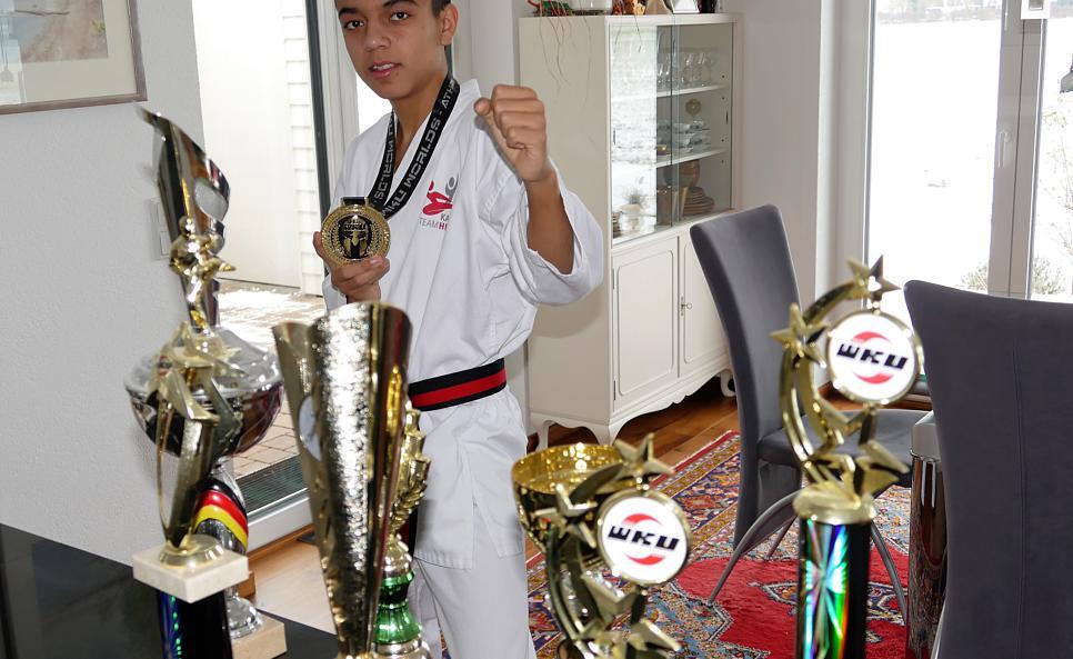 Talent, Fleiß und einen starken Willen zeichnet den 14-jährigen Andreas Straub aus Rielasingen-Worblingen aus. Mit diesen Eigenschaften erkämpfte er sich den Junioren-Weltmeistertitel im Karate. Bild: Sandra Bossenmaier