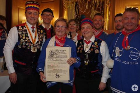 Zahlreiche Hommagen gab es zur Ehrung von Dagmar Wenzler-Beger als Obristin der Narrenvereinigung Hegau Bodenseee. swb-Bild: of