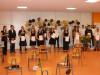 Der Rs10 a auf der Bühne bei ihrer Verabschiedung auf der Bühne der Aula in der Ten-Brink-Schule. swb-Bild: TBS