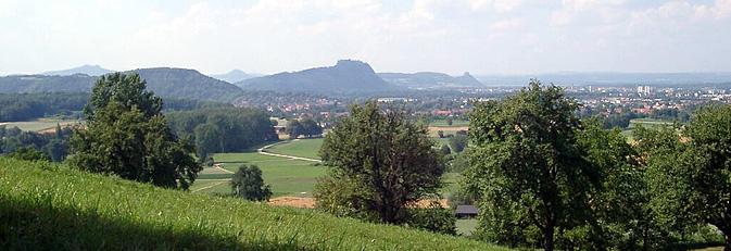 Blick vom Schienerberg auf Rielasingen-Worblingen und den Hegau