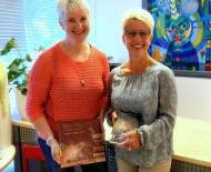 Das Bücherei-Team (von links nach rechts): Alexandra Roth und Bücherei-Leiterin Sabine Baum.