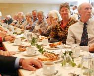 Unterhaltsamter Nachmittag für Senioren aus Rielasingen und Arlen im Festsaal der Talwiesenhallen.