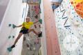 Kind beim Klettern im Aranea+ in Schaffhausen. Bild: Aranea+ Klettern und Badminton.