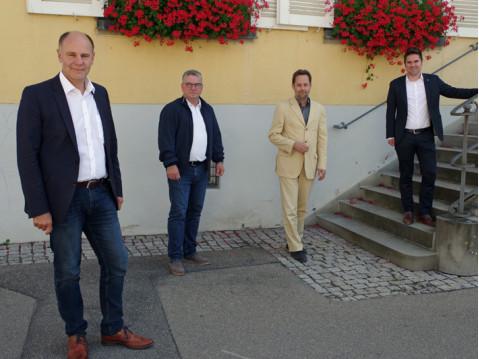 Klare Linie gegen die Abbaugenehmigung im Dellenhau: OB Bernd Häusler, die Bürgermeister Ralf Baumert, Dr. Michael Klinger und Holger Mayer. swb-Bild: of