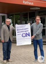 Auch die Gemeinde Rielasingen-Worblingen unterstützt die Präventionskampagne (von links nach rechts): Bürgermeister Ralf Baumert und Ordnungsamtsleiter Günter Rudolph.