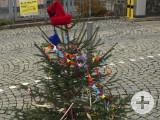 Die Aktion »Narrenbömmle« schlägt im Hegau immer weitere Wellen. Immer mehr Orte rufen zur Verwandlung der Weihnachtsbäume auf. swb-Bild: of/Archiv