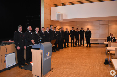 Neue Mitglieder wurden aufgenommen und zahlreiche Beförderungen durchgeführt.