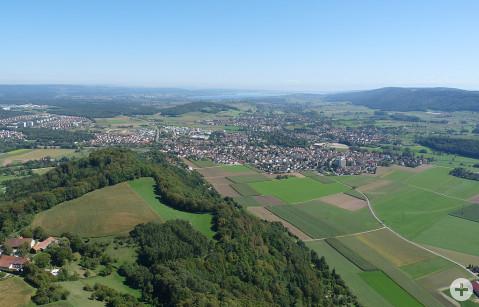 Luftbild Rielasingen-Worblingen mit dem Bodensee im Hintergrund