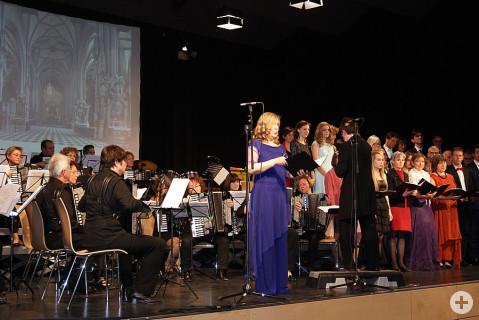 Für Begeisterung sorgte der Akkordeon-Spielring und die Gesangsklasse Dagmar Hein mit ihrer Klangerlebnisreise durch Wien.