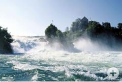 Der Rheinfall bei Schaffhausen (Quelle: Schaffhauserland Tourismus)