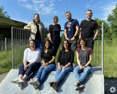 Das Kinder- und Jugendförderteam der Gemeinde: Jasmin Kroner, Miriam Auer, Marcus Engesser, Emily Mears, Jenny Frankenhauser, Mario Maué, Catia Di Fiore und Tanja Harder.