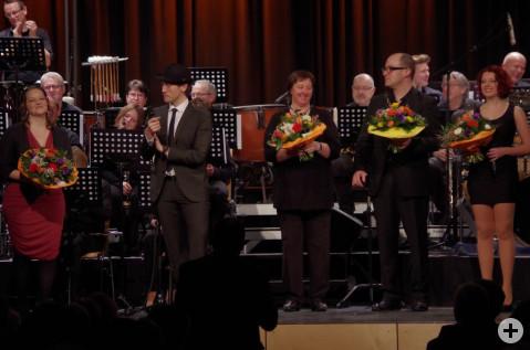 Minutenlangen Applaus konnten die Akteure der »vielHarmonie« vor ihrer Zugabe genießen. swb-Bild: of