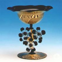 Eine Blütenschale von Detlef Greiner-Perth.