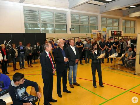 Gemeinsam eröffnen sie die Lehrstellenbörse in Rielasingen-Worblingen (von links): Richard Maisch, Lothar Reckziegel, Michael Pätzholz und Birgit Steiner. Bild: Sandra Bossenmaier