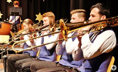 Blasmusik der Extra-Klasse präsentierten die Instrumentalisten des Musikvereins Worblingen in der Hardberghalle. Bild: Sirgune Piorreck