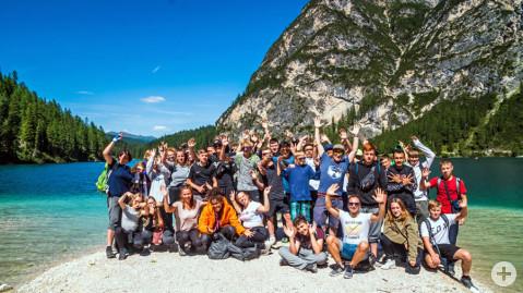 Gruppenbild der Klassen 8a und 8b der Ten-Brink-Schule in Südtirol
