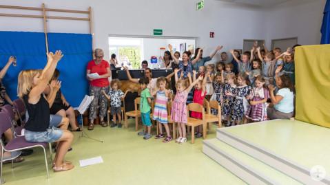 Spaß mit Musik und Bewegung beim Sommerfest der KITA Klangwolke.