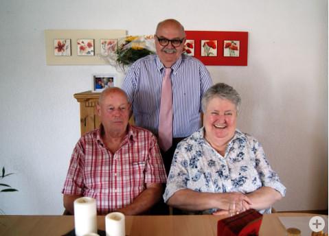 Renate und Martin Braun gemeinsam mit Bürgermeister-Stellvertreter Rudi Caserotto.