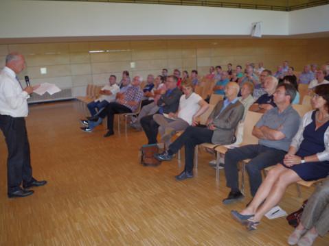 Die neue Baulandpolitik der Gemeinde Rielasingen wurden vor zwei Jahren in einer Bürgerinformation durch die Kanzlei Sparwasser vorgestellt. Jetzt gab es dazu ein erstes Verfahren. swb-Bild: of/Archiv