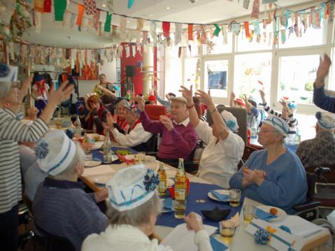 """Mit einer """"lustigen Schifffahrt"""" wurde am Donnerstag und Freitag die Fastnacht im Pflegezentrum St. Verena gefeiert. swb-Bild: PZV"""