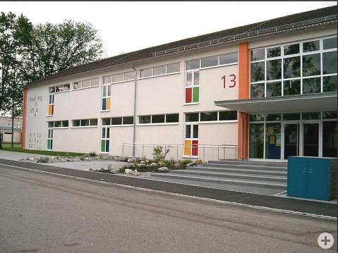 Die Hardbergschule in Worblingen muss saniert werden. swb_Bild: Gemeinde