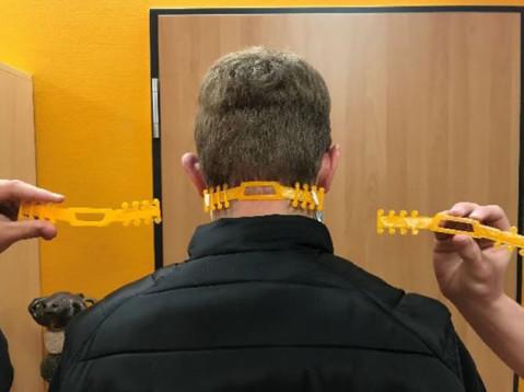 Diese selbst gedruckten Helfer sollen die Ohren beim Tragen des Mund-/Nasenschutz entlasten. Bild: TBS